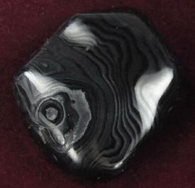 photo of beautiful banded psilomelane with pyrolusite from western Virginia USA for metaphysical use, gazing, scrying, reading Akashik Record
