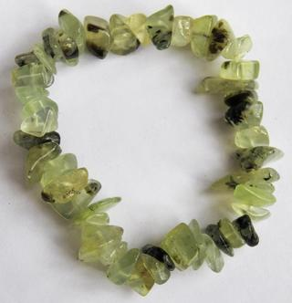 Beautiful green garnet chunky chip bracelet from India
