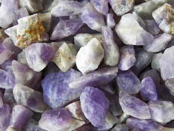 photo of amethyst from madagascar, rough tumbling rock crystals