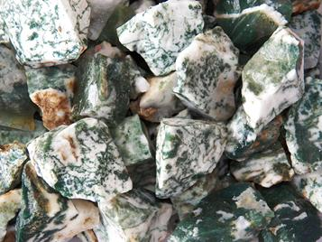 tree agate rough rock for tumbling from India is marble with green chlorite veins
